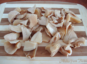 Canned oyster mushrooms, quartered